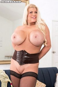 Victoria Vale Photo - No Bra Can Hold Victoria Vale's Gigantic Tits