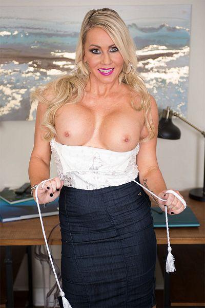 Brianna Shay Big Tits Model Profile