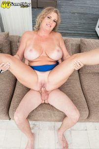 Candace Harley Photo - Busty MILF Candace's first time