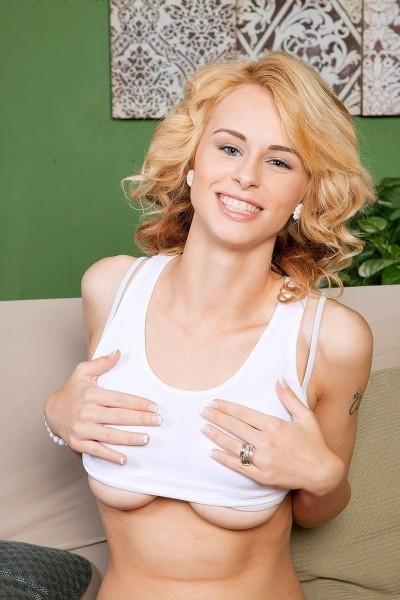 Lilli Dixon Big Tits Model Profile
