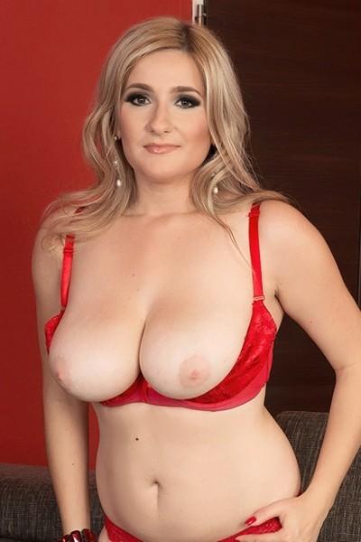 Audee Big Tits Model Profile