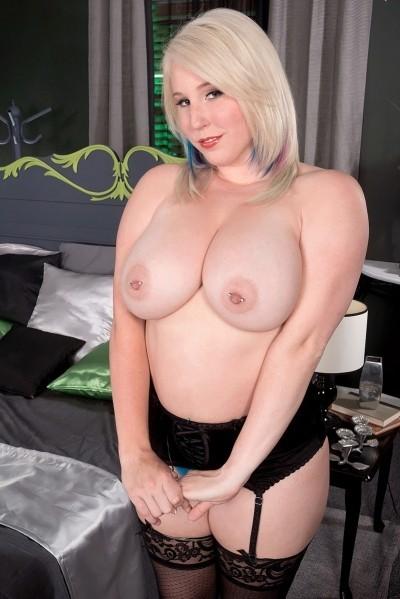Bunny Brooks Big Tits Model Profile